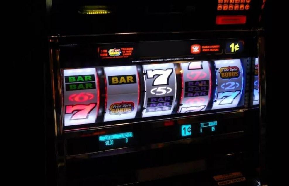 4 туза рулетка мужик с деньгами casino free games online play